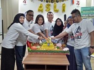 perayaan Ulang Tahun di Tempat Pelatihan Training Laundry ASLI